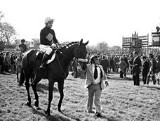 Red Rum and Billy Ellison in the parade ring before the Charisma Records Handicap Chase at Kempton Park